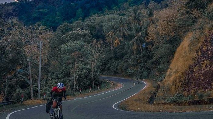 Wow! Cerita Dimas & Ichwal 2 Pesepada Tempuh 300 Km dari Makassar ke Toraja Dalam Waktu 3 Hari