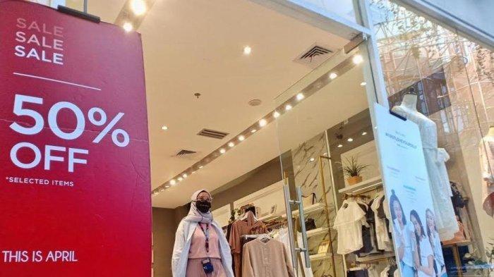 Deretan Fesyen Diskon 70 % di Nipah Mall