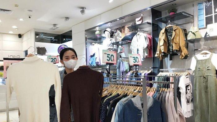 Koleksi Knitwear Diskon 70 Persen di TSM Makassar