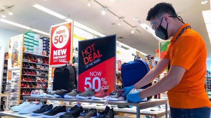 Tas dan Sepatu Diskon 70 % di Nipah Mal