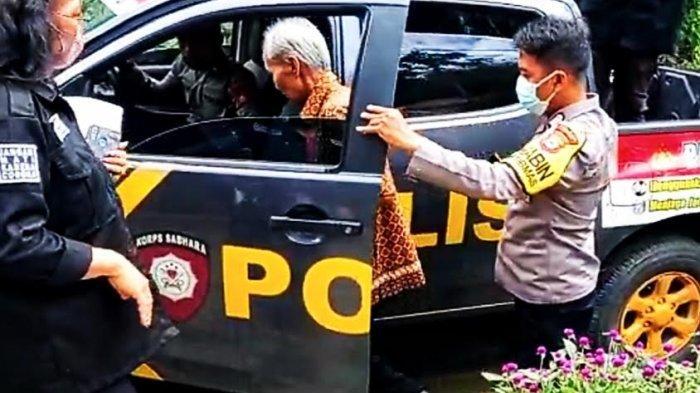 Takut Divaksin, 5 Warga Lemo Tana Toraja Dijemput Polisi di Rumahnya