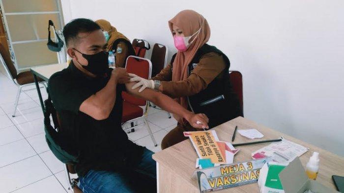 Termasuk Jurnalis, 30 Pelayanan Publik di Bantaeng Ikuti Vaksinasi Covid-19 Tahap Kedua