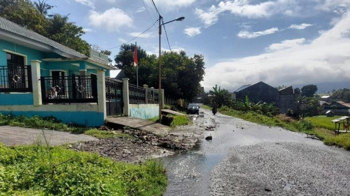 Drainase Jebol, Air Meluap di Depan Kantor KUA Bacukiki Parepare