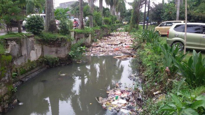Selokan di Jl Sunu 3 Makassar Harus Ditutup