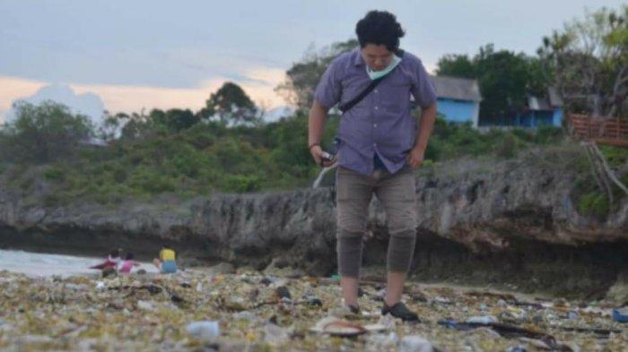 Petugas Kebersihan Tanjung Bira Kewalahan Atasi Sampah Kiriman dari Laut Flores