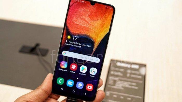 Tribunwiki Ini Spesifikasi Lengkap Samsung Galaxy A50 Resmi Masuk Ke Indonesia Harga Rp 4 Jutaan Tribun Timur