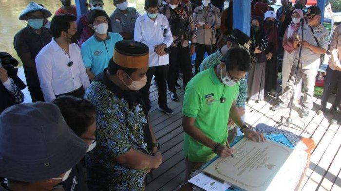 Kunjungi Rammang-Rammang Maros, Sandiaga Uno dan Atta Halilintar Minum Sarabba Kampung Berua
