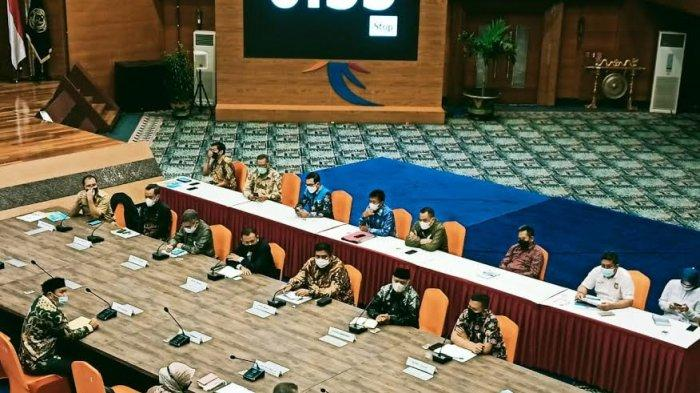 Presentasikan Potensi Wisata, Muslimin Bando Undang Sandiaga Uno Cicipi Pulu Mandoti di Enrekang