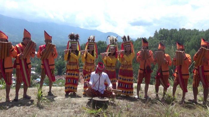 Wujudkan Toleransi di Mamasa, Sanggar Seni Wai Sapalelean Lantunkan Salawat dengan Musik Bambu