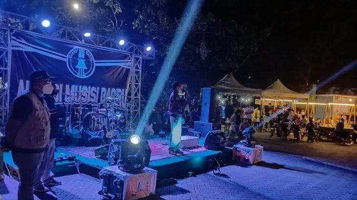 Malam Minggu, Satgas Covid-19 Bubarkan Pentas Musik di Alun-alun Barru