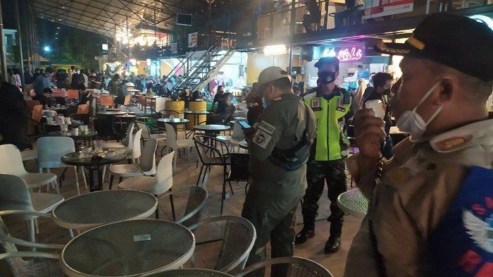 Satgas Raika Bubarkan Kerumunan di Hanggar Tallasalapang Rappocini