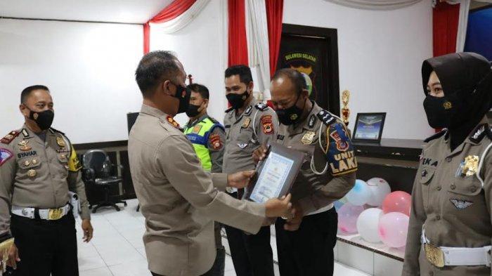HUT ke-66 Lalu Lintas Bhayangkara, 4 Personel Satlantas Polres Jeneponto Dapat Penghargaan