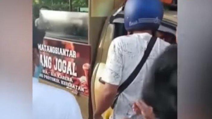VIDEO Viral Satpol PP Kena Bogem saat Amankan Gerobak Pedagang di Sumatera, Mobil Patroli Dirusak
