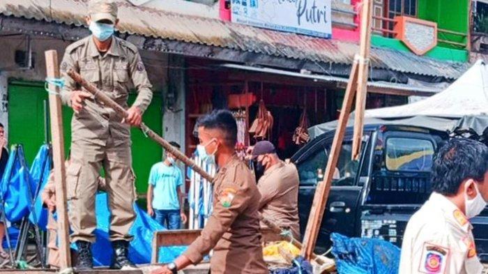 Jadi Biang Macet, Belasan Lapak PKL di Pasar Bolu Toraja Utara Dibongkar Satpol PP