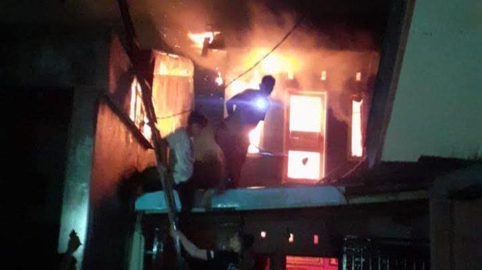 Lupa Matikan Lilin, Satu Rumah Hangus Terbakar di Karaeng Loe Sero Gowa