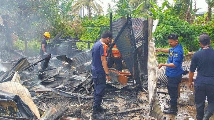 Satu Rumah Panggung di Kelurahan Jaya Pinrang Hangus Dilalap Api, Kerugian Ditaksir Rp50 Juta