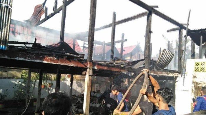 BREAKING NEWS: Satu Rumah Warga Hangus Dilalap Api di Barru