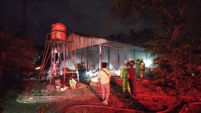 Kebakaran di Jl Montolalu Malili Luwu Timur