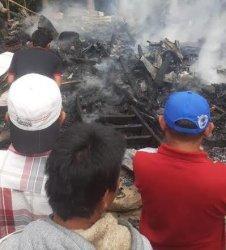Satu Rumah Panggung di Bontotiro Jeneponto Hangus Terbakar