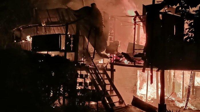 Korsleting Listrik, Satu Rumah di Desa Bolang Enrekang Ludes Dilalap Api