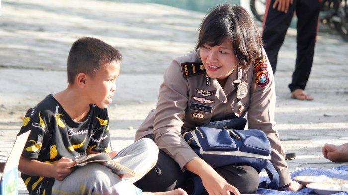 Dorong Minat Baca Anak-anak Desa, Binmas Polres Majene Buka Lapak Baca di Simbang