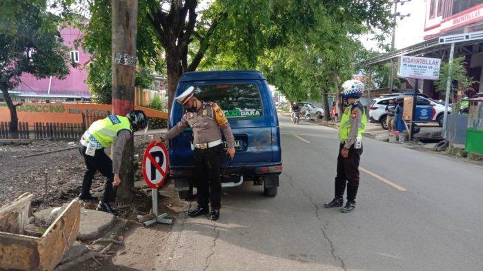 Lima Mobil Plat Hitam Tertangkap Angkut Penumpang di Sengkang