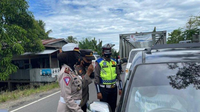 79 Kendaraan Diminta Putar Balik di Perbatasan Pinrang-Polman