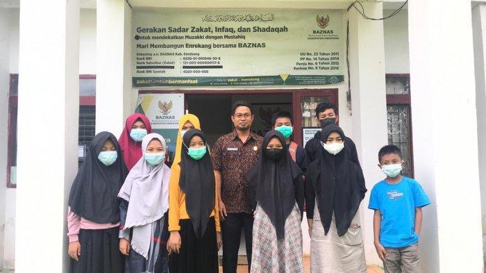 10 Anak Enrekang Sekolah Gratis di Athirah Bone