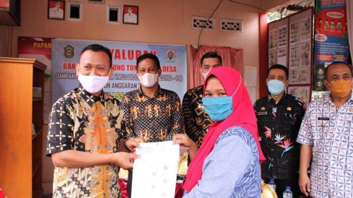 183 KK di Desa Massamaturu Terima BLT, Bupati Takalar; Jangan Tergoda Beli Pakaian