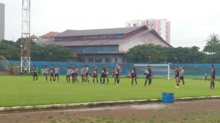 PSM Latihan di Bawah Guyuran Hujan, Masih dengan 25 Pemain