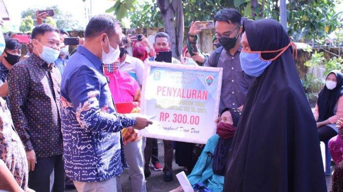 50 Kepala Keluarga di Desa Patani Takalar Terima BLT