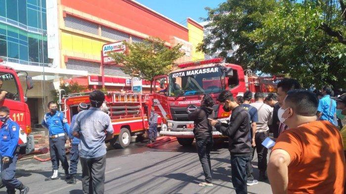 Polisi Selidiki Penyebab Kebakaran di Gedung Perkantoran Jl Pengayoman Makassar
