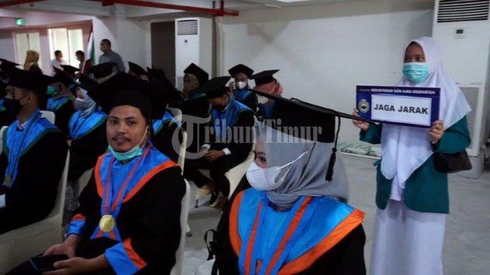 FOTO; 250 Mahasiswa UIM Makassar Ikut Wisuda - sejumlah-mahasiswa-mengikuti-wisuda-sarjana-dan-profesi-pascasarjana-universitas-islam-makassar-3.jpg