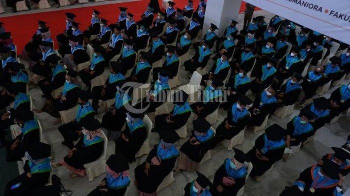 FOTO; 250 Mahasiswa UIM Makassar Ikut Wisuda - sejumlah-mahasiswa-mengikuti-wisuda-sarjana-dan-profesi-pascasarjana-universitas-islam-makassar-4.jpg