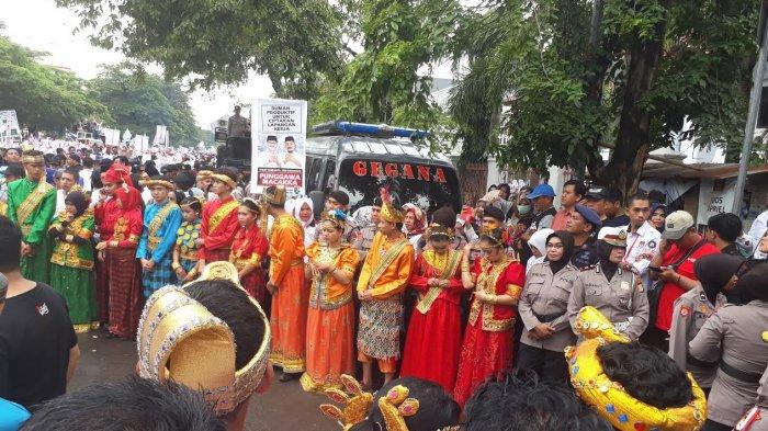 IYL-Cakka Disambut Pemuda Berbaju 4 Etnis di Sulsel