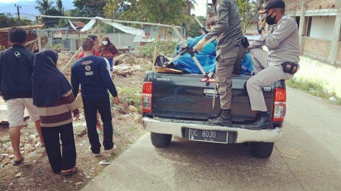 Petugas Posko Transisi Darurat Gempa Sulbar Bantu Pengungsi Kembali ke Rumah