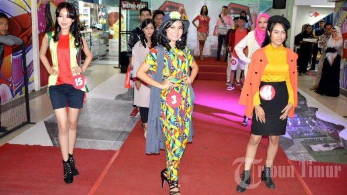 BERITA FOTO; Ritelaku Distro Fest Gelar Lomba Fashion Show - sejumlah-peserta-mengikuti-lomba-fashion-show.jpg