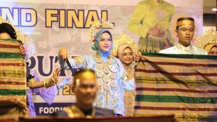 FOTO; Grand Final Pemilihan Duta Pariwisata Bone - sejumlah-peserta-tampil-saat-malam-grand-final-pemilihan-putra-putri-pariwisata-bone-3.jpg