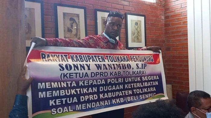 Masalah Baru Muncul Setelah Sonny Wanimbo Dituding Donatur KKB, Rakyat Tolikara 'Pasang Badan'