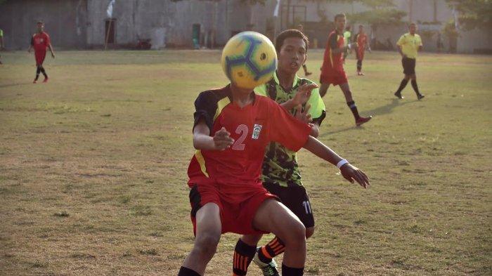 FOTO: Sekprov Tendang Bola Pertama Liga Santri Nasional Region II Sulselbar - sekprov-tendang-bolaa2.jpg