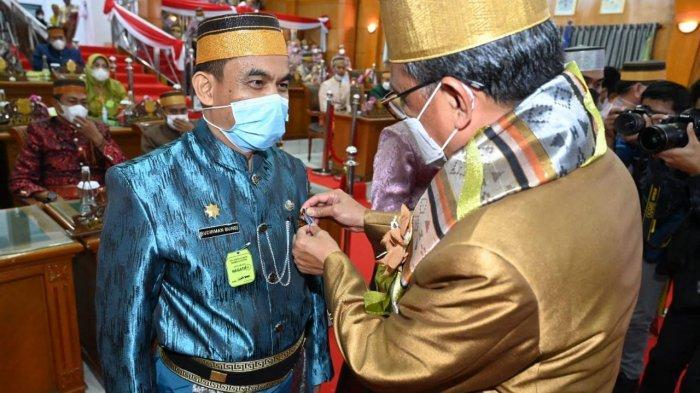 Penyematan Satya Lencana dan Penyerahan Penghargaan Warnai HUT ke-677 Sidrap