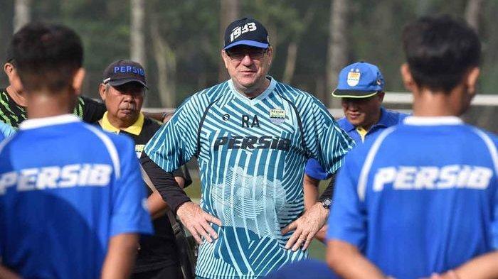 Selain Pelatih Persib Bandung, Robert Alberts akan Bertindak Sebagai Manajer, Umuh Muchtar?