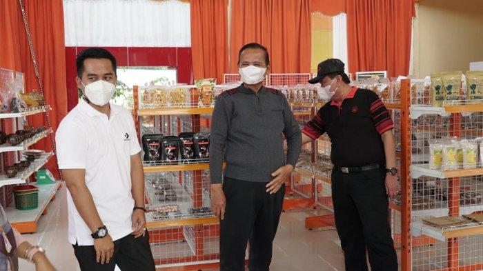 Satgas PEN Luwu Ajak ASN Belanja Produk UMKM di IKM Barimbing
