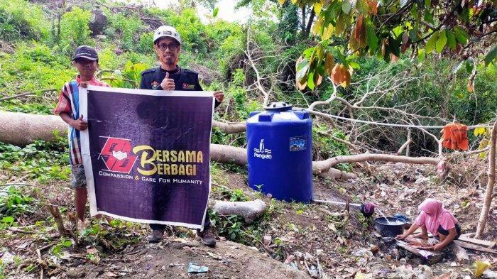 Program Recovery Gempa Sulbar, Bersama Berbagi dan Ikatek Unhas Buat Pipanisasi Air 600 M di Malunda - seorang-ibu-mencuci-pakaian-dari-program-pipanisasi-air-bersih.jpg
