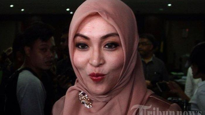 Sosok Pria Dikabarkan Dekat dengan Angelina Sondakh, Kerabat Mendiang Adjie Massaid?