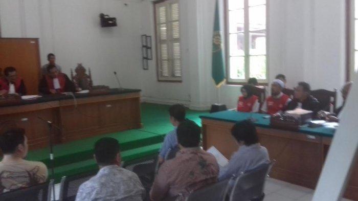Kasus Penipuan Abu Tours - Diprotes Pengacara, Sidang Hamzah Mamba Diskorsing 10 Menit