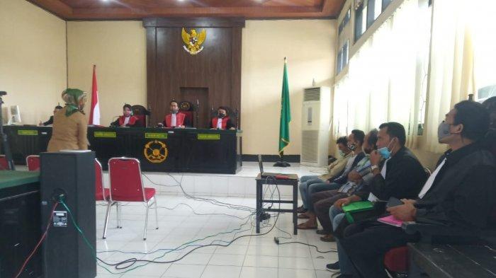 Gara-Gara Tebang Pohon Jati, Satu Keluarga Petani di Soppeng Disidang di Pengadilan