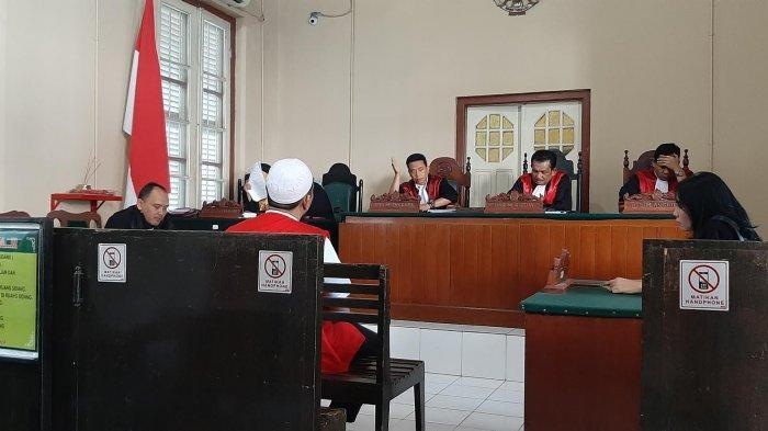 Berapa Denda Hamzah saat Sidang Korporasi Abu Tours di PN Makassar?