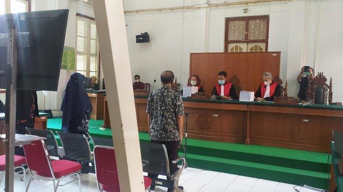 Kesaksian Istri Edy Rahmat Saat Suaminya Ditangkap KPK, Temukan Uang Rp901 Juta di Rumah Dinas