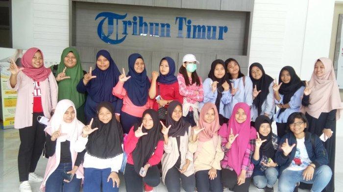 Siswa JILC Cendrawasih Belajar Jurnalis di Tribun Timur